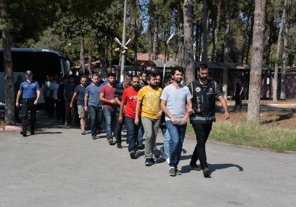 Adana da 12 Asker Fetö den Tutuklandı