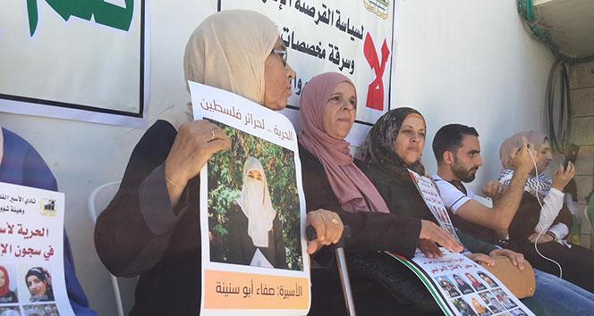 Filistinliler, kadın cezaevlerine kamera takılmasını protesto etti