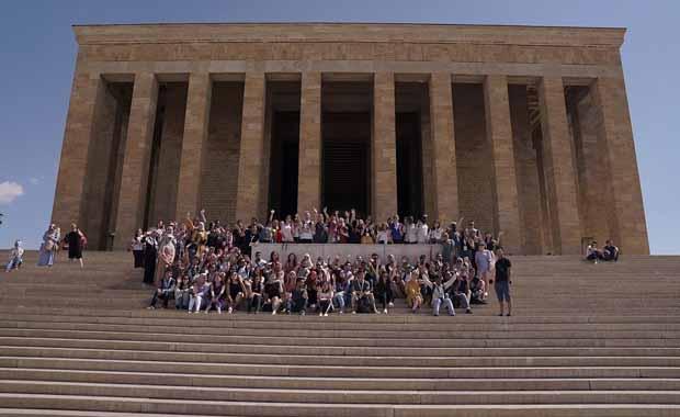 Yunus Emre Enstitüsü 118 farklı ülkeden 1000 öğrenci ağırladı