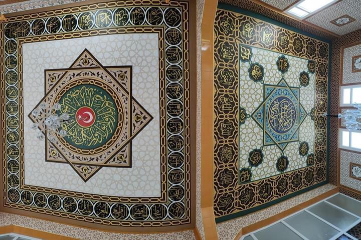 Konyalı nakkaş Kırıkhan Ahmet Yesevi Camisini nakşediyor