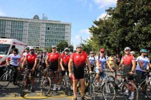 Yüzlerce Bisikletli Trafikte Biz de Varız Dedi